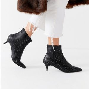 NWT Urban Outfitters Jules Studded Ankle Booties
